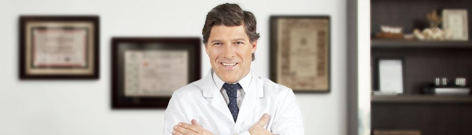 Bioplastia facial con injerto óseo